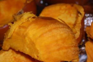 How to Can Fresh Pumpkin and How To Freeze Fresh Pumpkin via CleverPinkPirate.com