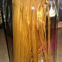 Thrifty Thursday: Vintage Suitcases, Free Table, Party Favors and a Spaghetti Jar!