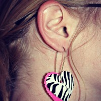 The Clever Tween: DIY Duck Tape Earrings