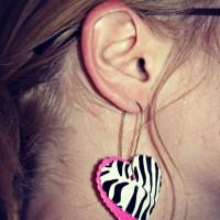 The Clever Tween: DIY Duck Tape Earrings