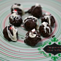 Peppermint Oreo Truffles Recipe via @CleverPirate