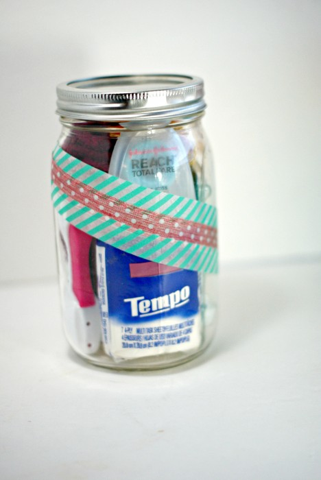 Bathroom in a Jar gift via @CleverPirate