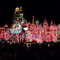 Holidays at Disneyland and 7 Reasons We Fell In Love with Disneyland All Over Again!