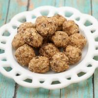 No Bake Peanut Butter Chocolate Chip Energy Bites Recipe
