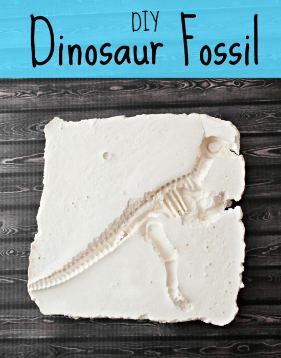 DIY Dinosaur Fossils (an easy and fun kid's craft)