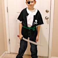 DIY Pirate Costume in 5 Minutes and less than 5 Dollars