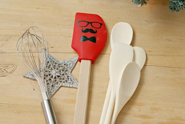 Easy DIY Baker Gift Set for less than $10