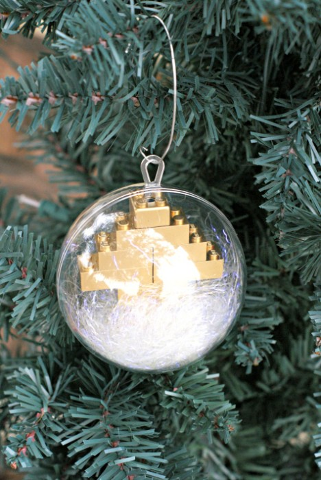 Spray paint Legos gold to make a Lego Christmas Tree Ornament